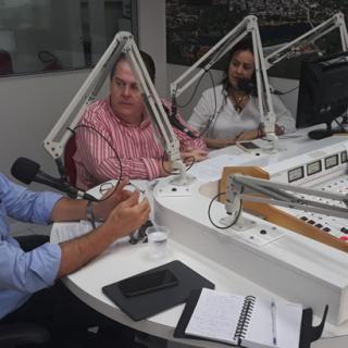 """Angelo Frias Neto apresenta a campanha Alugue Fácil da Frias Neto no """"Jornal da Manhã"""" da Rádio Jovem Pan News de Piracicaba"""